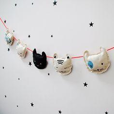 NEW! CATS GARLAND diy kit