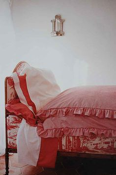 Adorable Red & White Cottage Bed Dressed in Toile & Gingham.