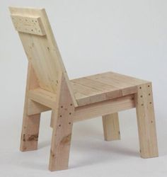 Adirondack chair, reclaimed wood DIY - Make this beautiful Adirondack Chair yourself! See this post for the Furniture Plans, instructions and supply list to build. 2x4 Furniture, Woodworking Furniture Plans, Furniture Projects, Wood Projects, Woodworking Projects, Furniture Outlet, Furniture Stores, Furniture Market, Teds Woodworking