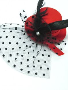 Red Mini Hat with Spotted Veiling