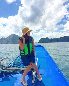 """Crave a love so deep, the ocean would be jealous."" #sailing #islandgirl #beachlife #nikkinvadesElNido"