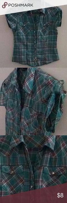 Paper Tee button down top Paper Tee brand turqoise plaid button down short sleeve juniors size large top with 2 pockets in front,material is 55%cotton 45%polyester paper tee Tops
