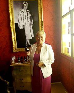 Lansarea colecției de parfumuri Diana Vreelandla București a fost un eveniment exclusivist, rafinat și elegant, aidoma personalitatății magice a celei care a inspirit-o, cea care putea să vadă lumea doar în felul ei unic,o colecție care întruchipează personalitatea Dianei Vreeland: îndrazneață, plină de culoare, încrezătoare, inteligentă și amuzantă. Este de notorietate profunda influență pe care …