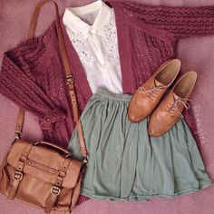 Find images and videos about girl, clothes and girly on We Heart It - the app to get lost in what you love. Vintage Hipster, Mode Vintage, Zooey Deschanel, Pretty Outfits, Cool Outfits, Vintage Outfits, Vintage Fashion, Mode Chic, Floral Lace Dress