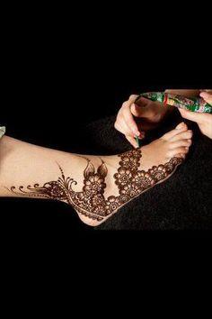 henna mehndi sandals that fit