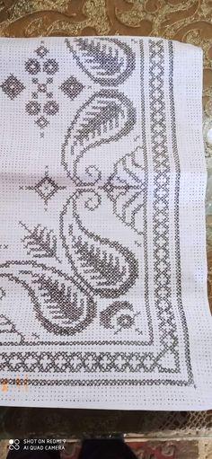 Cross Stitches, Rugs, Punto De Cruz, Dots, Needlepoint, Cross Stitch, Farmhouse Rugs, Seed Stitch, Crochet Stitches