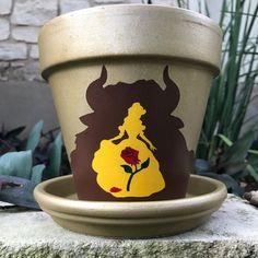 Pot de fleurs peintes à la main et la bête