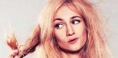 """NavegaçãoTratamentos para cabelos quebrados10 Dicas para evitar cabelos quebradiçosVocê está penteando o cabelo e de repente observa que ele ficou franzido, ou então nota muitas pontas duplas; ao passar o pente novamente, o fio se quebra. O terror está instalado. Isto é conhecido como """"efeito chiclete""""; ou seja, o fio perdeu a elasticidade e a …"""