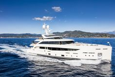 If you couldn't make it to this year's Fort Lauderdale International Boat Show, you missed some gorgeous weather and a wealth of new and improved yacht Super Yachts, Motor Yacht, Motor Boats, Luxury Yachts, Fort Lauderdale, Monte Carlo, Travel Advice, Interior And Exterior, Serenity
