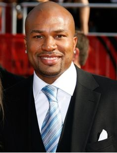 Derek Fisher is probably my favorite BBall player both on and off the court.. it doesn't hurt that we share the same bday