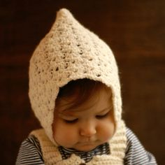 Crochet Baby Hats Classy Crochet Patterns: Vintage Pixie Hat- good free pattern with matching dress - You will find beginner crochet hat patterns for Mom, Dad, and kids. Get started today! Diy Tricot Crochet, Col Crochet, Crochet Hat Tutorial, Crochet Baby Bonnet, Crochet Baby Hat Patterns, Crochet Gratis, Crochet Baby Clothes, Free Crochet, Crochet Instructions