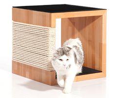 Quadratischer Kratzbaum für Katzen // Wooden scratcher for cats by Kratzpfote via DaWanda.com