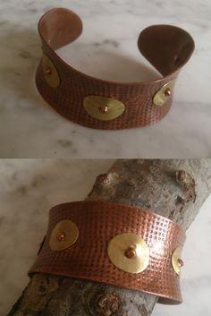 De cobre, con adornos latón Belt, Bracelets, Leather, Accessories, Jewelry, Fashion, Copper, Ornaments, Bangle Bracelets