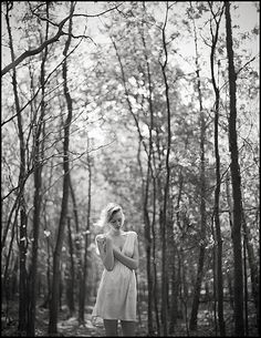 photoshoot in the woods! Portrait Inspiration, Photoshoot Inspiration, Deep Books, Princess Photo, Female Portrait, Beautiful World, Black And White Photography, Portrait Photography, Shots
