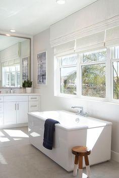 Fantastic grey and white guest bathroom ideas for 2019 Stylish Home Decor, Unique Home Decor, Stylish Interior, Luxury Interior Design, Interior Decorating, Diy Decorating, Guest Bathrooms, Bathroom Ideas, Unique House Design