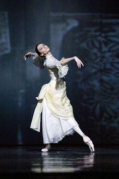 "Dominika Krysztoforska in Alexei Ratmansky's ""Anna Karenina."" Photo (c) Ewa Krasucka/Teatr Wielki. Ballet Art, Ballet Dancers, Shall We Dance, Just Dance, Anna Karenina, Ballet Costumes, Movie Costumes, Ballet Photos, Dance Movement"
