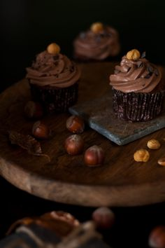 Haselnuss Cupcakes // Hazelnut Cupcakes by… Cupcakes, Chocolate Recipes, Allrecipes, Cookies, Desserts, Food, Savory Muffins, Small Cake, Sweet Recipes