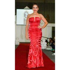 Vestido sensual vermelho, um arrazo