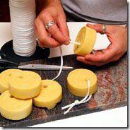 A dica passo-a-passo de hoje ensina a fazer um super sabonete calmante para cuidados pessoais. Já pensou em fazer para presentear?