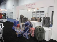 Isaac Mizrahi New York Signal Brands luggage and suitcases www.xibeo.com 805.604.4409