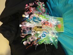 Shot bouquet for birthday! Shot Bouquet, 21st Bday Ideas, 21st Birthday Presents, Giving, Things To Do, Crafty, Drinks, Board, Girls