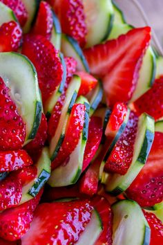 Strawberry Cucumber Salad with Honey Balsamic Dressing from The Food Charlatan Source by Ham Salad Recipes, Cucumber Recipes, Cucumber Salad, Fruit Recipes, Summer Recipes, Whole Food Recipes, Cucumber Dressing, Healthy Recipes, Salads