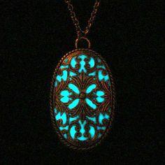 Viktorianischen Schmuck glühend Oval Anhänger Halskette Glow In The Dark…