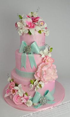 Pastel de boda rosa