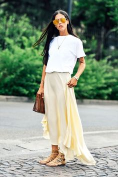 This Street Style Look Is The Epitome Of Casual Chic For Summer (via Bloglovin.com )