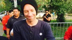 Fanáticos cuentan las horas para el esperado concierto de Coldplay en Lima.