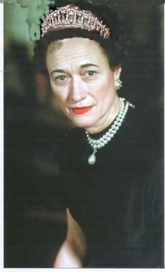 Duchess of Windsor wearing a tiara..what on earth did David see in the woman
