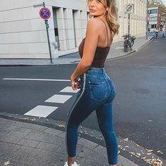 In meinen Highlights findet ihr einige Einblicke von meinem Booty-Training und Tipps 😜 Lisa Del Piero, Crushes, Highlights, Sporty, Goals, Woman, Denim, Healthy, Outfit