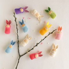 These little easter bunny dolls will be the cutest easter treasure for your kids or your partner. Natural Toys, Waldorf Toys, Play To Learn, Imaginative Play, Easter Bunny, Kids Playing, Wool Felt, Playroom, Kids Toys