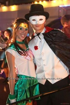 Coolest Sailor Jupiter and Tuxedo Mask Couple Costume. Awe I miss this carttoon Cool Couple Halloween Costumes, Holiday Costumes, Halloween Costume Contest, Cool Costumes, Costume Ideas, Amazing Costumes, Halloween Ideas, Sailor Jupiter, Sailor Moon