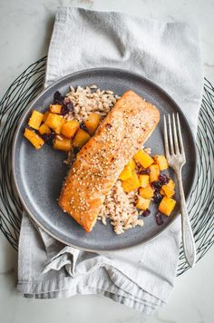 This miso maple roasted salmon is an easy salmon dinner that is perfect for weeknights. It is simple to make but fancy enough for a dinner party! Best Salmon Recipe, Baked Salmon Recipes, Fish Recipes, Seafood Recipes, Cooking Recipes, Healthy Recipes, Korean Recipes, Chicken Recipes, Oven Baked Salmon
