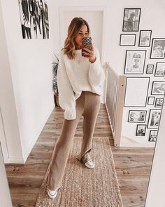 Cute Casual Outfits, Simple Outfits, Cute Everyday Outfits, Cozy Winter Outfits, Comfy Fall Outfits, Mode Shoes, Beauty And Fashion, Autumn Winter Fashion, Winter Style