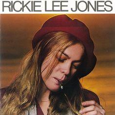 リッキー・リー・ジョーンズのファーストアルバム「Rickie Lee Jones」も当時流行のAORを代表するアルバム。ジャケットはちょっとやつれた感じのリッキーが、くわえタバコで物思いにふけっている感じのアニュイな雰囲気。バッ