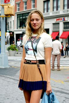 New Zealand model Zippora Seven spotted out and about on the streets of New York wearing this season's colour blocked update of the pleated skirt. WGSN street shot, New York.      For more information on this season's pleated skirt, SUBSCRIBERS CLICK HERE FOR THE FULL REPORT