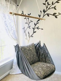 Hängemattenschaukel, Lesesessel – Innen- / Außenbereich – Kristi McCain - new site Diy Hammock, Hammock Swing Chair, Swinging Chair, Outdoor Hammock, Camping Hammock, Chaise Diy, Diy Décoration, Easy Diy, Room Wall Decor
