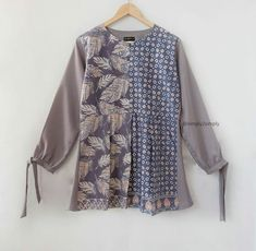 @simply2simply Frock Fashion, Batik Fashion, Women's Fashion Dresses, Hijab Fashion, Girls Dresses Sewing, Stylish Dresses For Girls, Simple Dresses, Blouse Batik, Batik Dress
