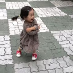 If you're in need of a smile today, check out this video of a little girl who wants to stay mad at her dad SO BADLY, but her squeaky shoes make it impossible.