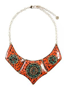 Collar étnico: collar étnico naranja de Pull and Bear