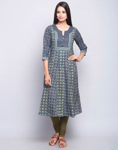 Find and compare Bella Midi Dress across the world's largest fashion stores! Designer Kurtis, Designer Dresses, Designer Wear, Amelie, Long Sleeve Midi Dress, Short Sleeve Dresses, Long Dresses, Size 0 Models, Maxi Outfits
