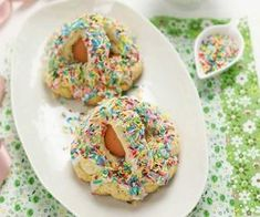 Pupi con l'Uovo: i Dolci Siciliani Biscotti, Doughnut, Deserts, Party, Postres, Desserts, Cookie, Dessert