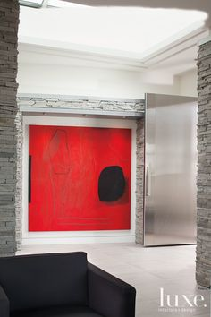 Whether it's a painting, a series of photographs or a sculptural piece, this collection of rooms demonstrates prime uses for oversized art. Cuadros Diy, Decoration Inspiration, Foyer Decorating, Contemporary Interior, Oeuvre D'art, Home Art, Art Decor, Art Pieces, Interior Design