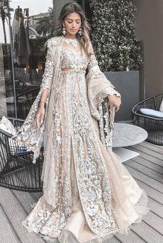 Kerala Wedding Sarees - Top 30 Kerala Saree designs for Wedding Desi Wedding Dresses, Pakistani Wedding Outfits, Pakistani Bridal, Pakistani Dresses, Indian Outfits, Bridal Dresses, Indian Clothes, Kerala Wedding Saree, Kerala Saree