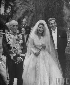 1947 Duchess of Alba wearing wedding gown by Dafnis