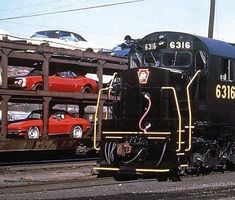 1967 Corvettes and Camaro's getting delivered via rail train. Chevrolet Dealership, Chevrolet Corvette, Car Delivery, Rail Train, Train Posters, Car Carrier, Pennsylvania Railroad, Railroad Photography, Train Pictures