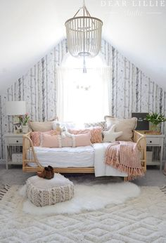 Rental – Lillie's Room Before and After (Using Peel and Stick Wallpaper to Add Some Personality) – Dear Lillie Studio – Wallpaper and Tile – einrichtungsideen wohnzimmer My New Room, My Room, Daybed Room, Kids Daybed, Daybed Bedding, Rattan Daybed, Teen Bedding, Black Bedding, Girls Bedroom