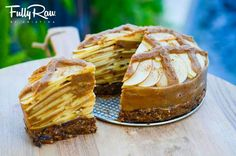 Raw apple pie @ Fully Raw Kristina